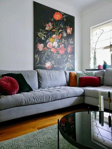 Klantfoto: Bloemen in een metalen vaas van Diverse Meesters, op canvas