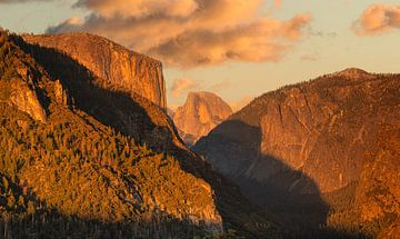 Tunnel View met El Capitan bij zonsopgang, Yosemite National Park, Californië, USA van Markus Lange