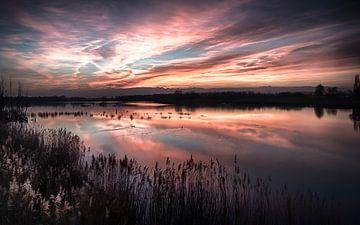 Roter Sonnenuntergang ..... von Robert Van Der Linde