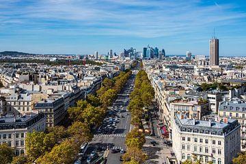 View to the high rise La Defense in Paris, France van Rico Ködder