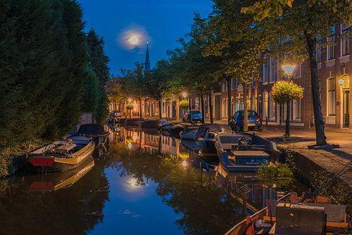 Volle maan bij de Sint-Franciscuskerk in Oudewater