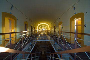 Prison von Tom van Dutch