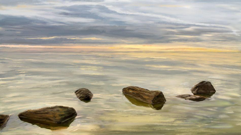 Zonsondergang aan zee tijdens kalm weer van Jan Brons