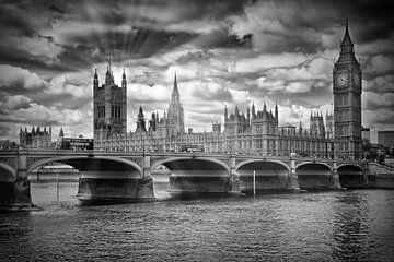 LONDRES Rayons de soleil du pont Westminster | monochromes sur Melanie Viola