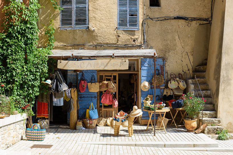 Petit magasin de Cotignac Sud de la France sur Arno Lambregtse