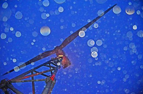 Windturbine in de regen
