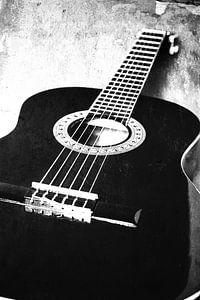 Zwart-wit structuur met een gitaar