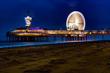 Scheveningen Den Haag de beroemde pier in de avonduren van Fotos by Jan Wehnert