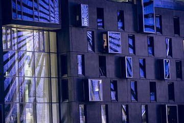Strahlende Fenster von Tom Voelz