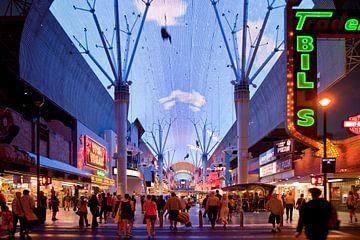 downtown Las Vegas van Peter Schickert
