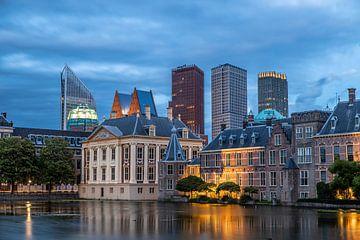 Le Hofvijver et le Mauritshuis en soirée. sur Claudio Duarte