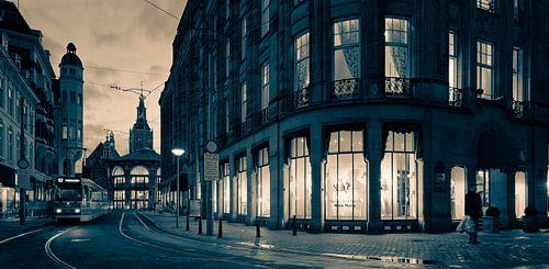 Centrum van Den Haag tijdens de schemering van