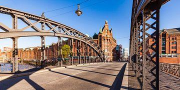 Brooks bridge at the Speicherstadt in Hamburg van