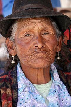 Old Peruvian woman sur Gert-Jan Siesling