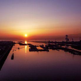 Noordzeekanaal IJmuiden I Coucher de soleil I Photographie par drone I Vintage sur Floris Trapman