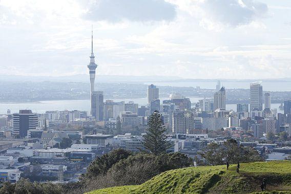Auckland skyline van Inge Teunissen