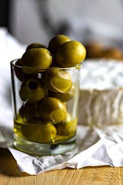 Olijven en kaas van Clazien Boot