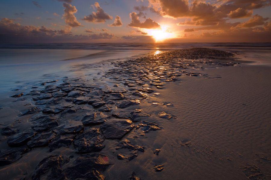 Zonsondergang op de Noordzee van Mark Scheper