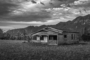 Verlaten houten huis in Nieuw Zeeland van