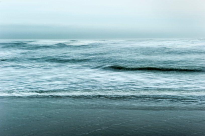 Moving Seascape van Andrea Gulickx