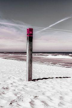 Paal op het strand, Texel van Jakob Huizen van