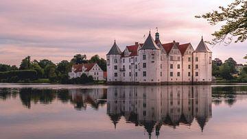 Château entouré d'eau sur Jens Sessler