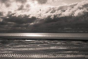 Dreigende Wolken van Zeeland op Foto