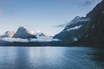 Milford Sound ochtendlicht van Tom in 't Veld