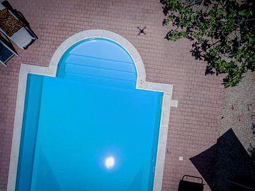 Zwembad van boven van Mario Calma