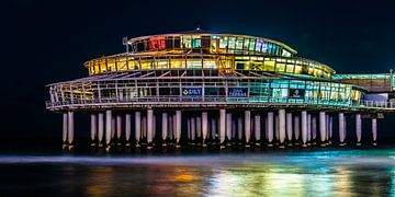 Pier von Scheveningen in einer bunten Abendszene von MICHEL WETTSTEIN