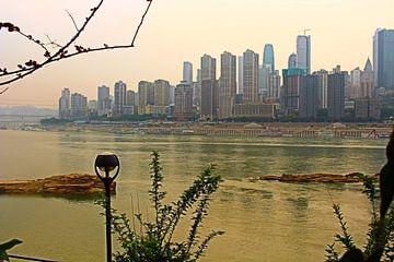 Dusk Falls Over Yangtze River in Chongqing 2 von Loretta's Art