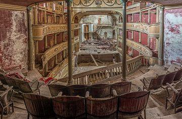 Théâtre Abandonné de la Décadence en Italie sur Beyond Time Photography