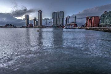 Skyline Rotterdam van Gino Heetkamp