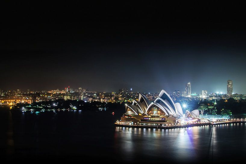 Sydney  Opera House and Woolloomooloo Bay van Ricardo Bouman