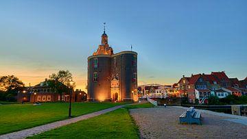 Havenstad Enkhuizen met stadspoort de Drommedaris van Jenco van Zalk