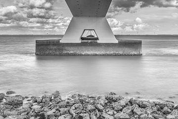 onder de zeelandbrug von Desirée Couwenberg
