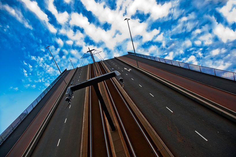 Bridge to nowhere van Fotograaf Rogier Bos