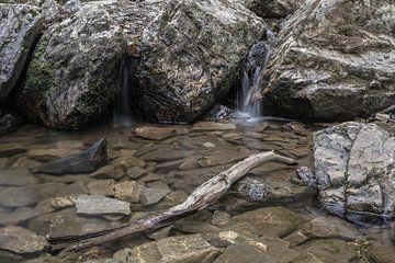 Lange sluitertijd watervalletjes in de Ardennen van Sasja van der Grinten