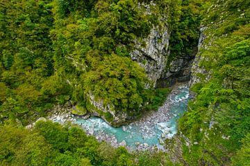 Bergrivier in Ravijn in Noord-Italië van Shottrotter