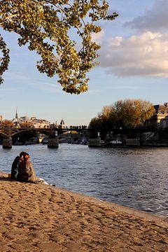 Paris whispers von Nina Rotim