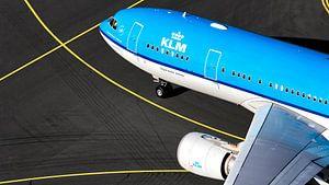KLM Airbus A330 auf dem Weg zum Gate