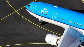 KLM Airbus A330 auf dem Weg zum Gate von Jeffrey Schaefer