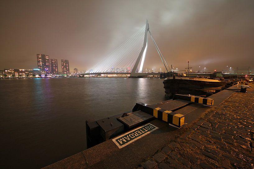 Erasmusbrücke Rotterdam am Abend von Ronald Dijksma