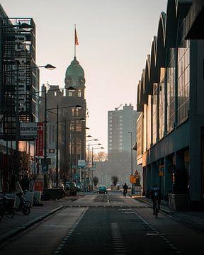 Fietsen door Manhattan aan de Maas van Marcel Kool