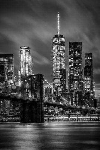 BROOKLYN BRIDGE Evening Atmosphere in New York City | Monochrome