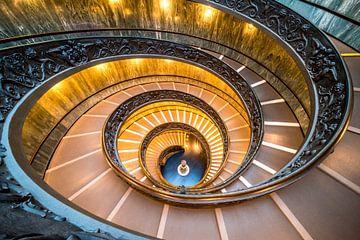 Spiral stairs, Vatican Museum van Arno Steeman