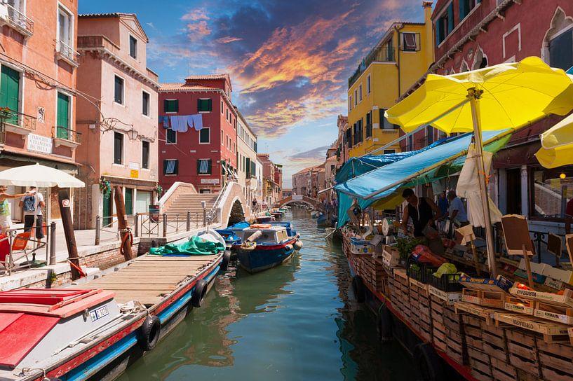 Markt in Venetië van Brian Morgan