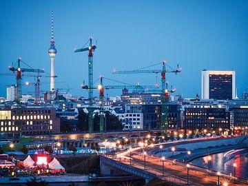 Blaue Stunde in Berlin von Alexander Voss