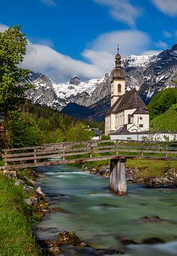 St Sebastian kerk in de Beierse Alpen, Duitsland van Adelheid Smitt