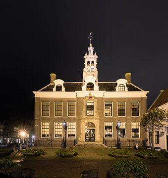 Stadhuis Edam bij nacht van Paul Tolen